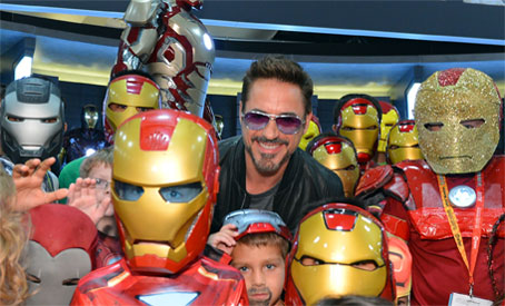 tmb_456x345_marv_robert_downey_jr_kids_comic_con_2012
